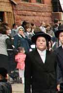 New York Jews: Growing in Numbers, Growing Apart